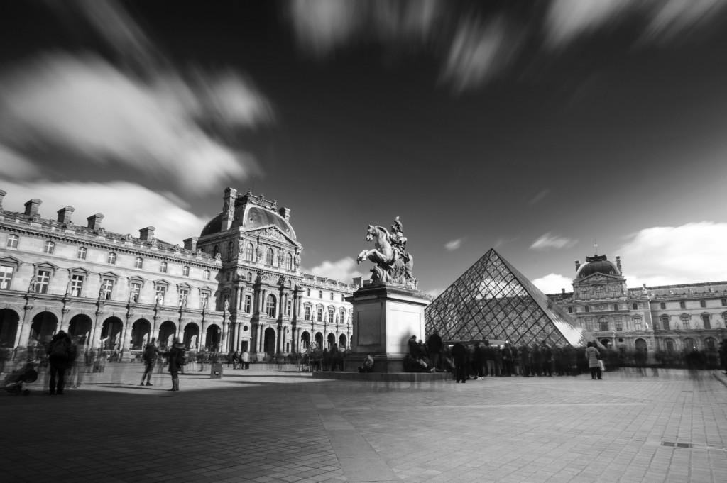 Louvre1NB