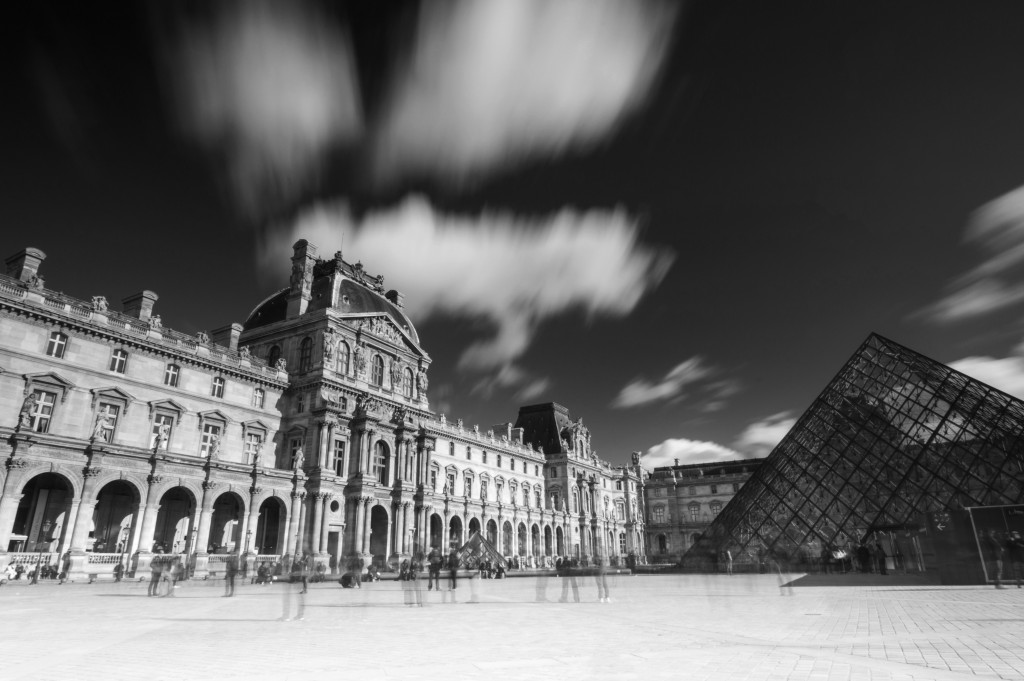 Louvre22NB